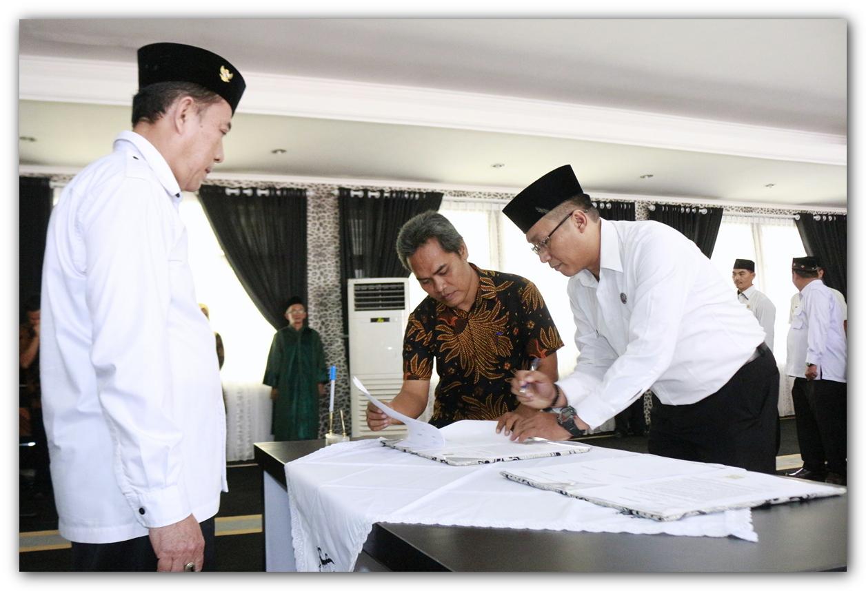 Pelantikan Dan Pengambilan Sumpah Jabatan Struktural Di Lingkungan Pemerintah Kabupaten Purwakarta