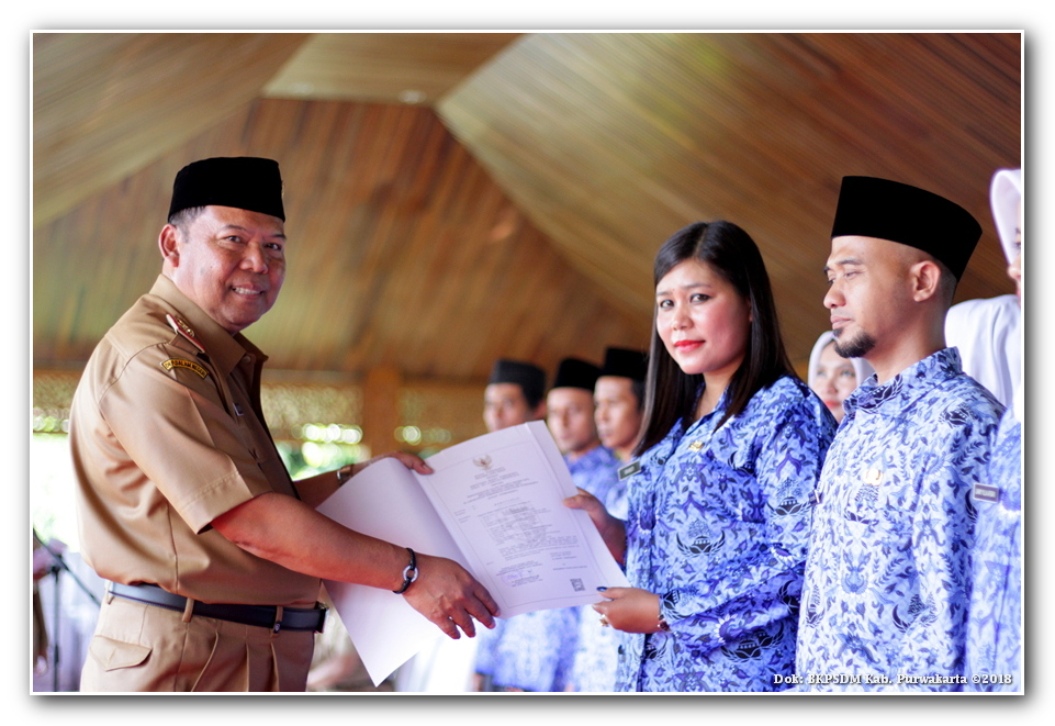 Pelantikan Dan Pengambilan Sumpah Janji Pns Di Lingkungan Pemerintah Kabupaten Purwakarta